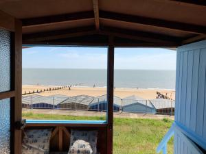 photo 1 of Beach hut H229, 2-row for hire Frinton-on-Sea