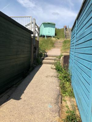 photo 2 of Beach hut H229, 2-row for hire Frinton-on-Sea