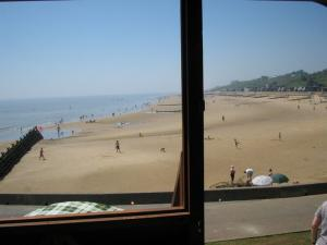 photo 5 of Beach hut Oasis - 154 for hire Frinton-on-Sea