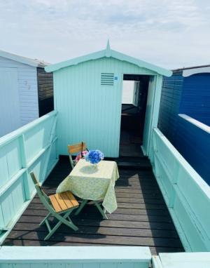 photo 4 of Beach hut 76 Walings for hire Frinton-on-Sea