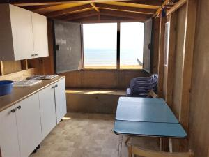 photo 2 of Beach hut 32 for hire Frinton-on-Sea